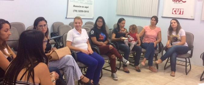 Reunião do Coletivo de Mulheres do Senge-SE debate diferença salarial entre homens e mulheres
